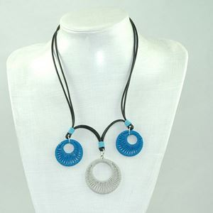 Picture of us803 Necklace - Three Wrapped Double circle wire pendants on Leather (50cm)